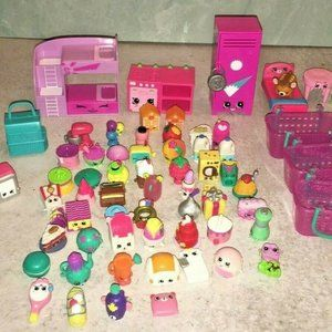 Shopkins 70+Pc random lot Moose furniture pet